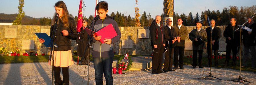 Komemoracija na partizanskem grobišču v Radomljah 2017