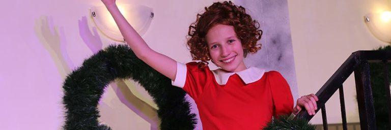 Premiera družinskega muzikala Annie
